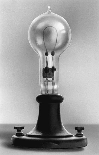 Один из вариантов лампы накаливания Эдисона