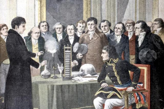 Вольта демонстрирует Наполеону свои изобретения - Вольтов столб и гелиевую пушку