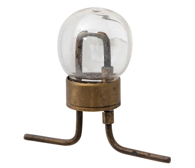 Лампа накаливания Лодыгина (фото)