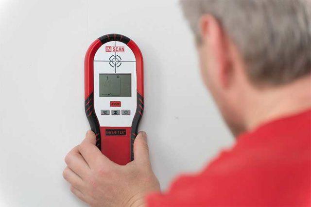 Прибор для обнаружения проводки нужен в домашнем хозяйстве - чтобы навешивая полку , картину или шкафчик не попасть в провод