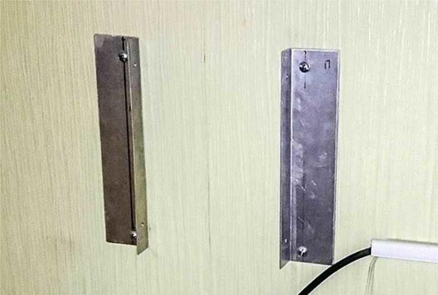 На стене закрепляем вторую пару