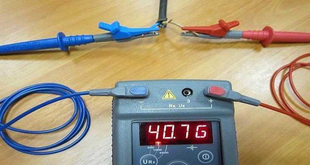 Как пользоваться мегаомметром: так измеряют сопротивление изоляции между двумя проводами в кабеле