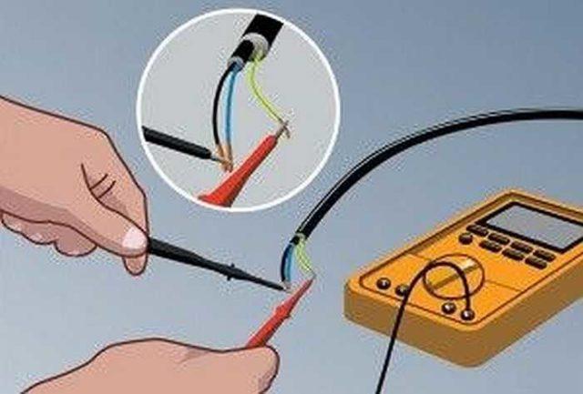 Проверка пробоя изоляции проводов при помощи мультиметра