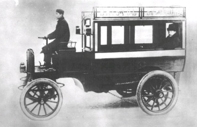 "Электрический омнибус завода ""Дукс"", 1902 год"
