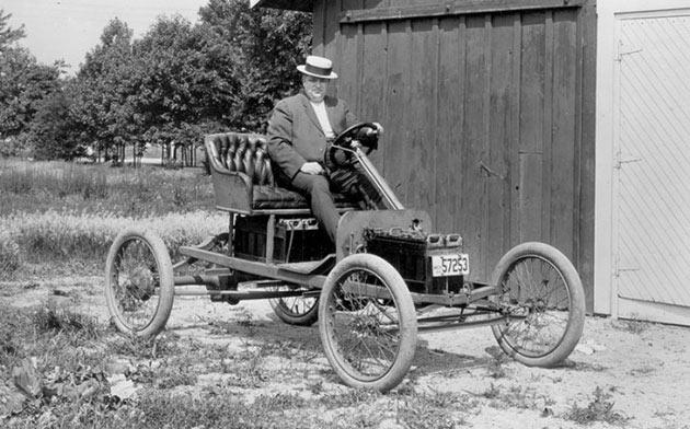 Один из первых электромобилей