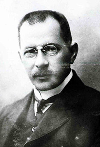 Ипполит Владимирович Романов - изобретатель электромобиля
