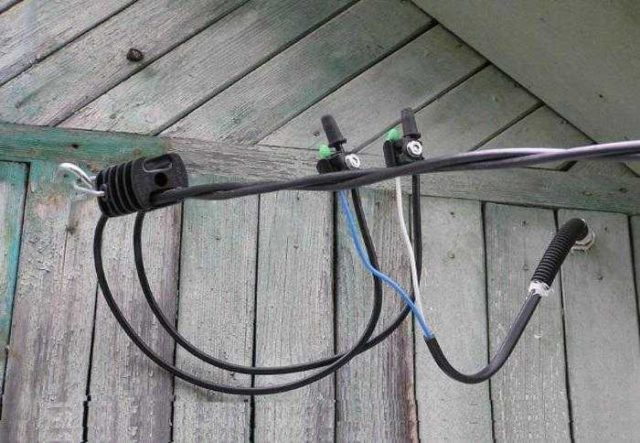 Провод СИП часто используют если надо провести электричество к дому по воздуху