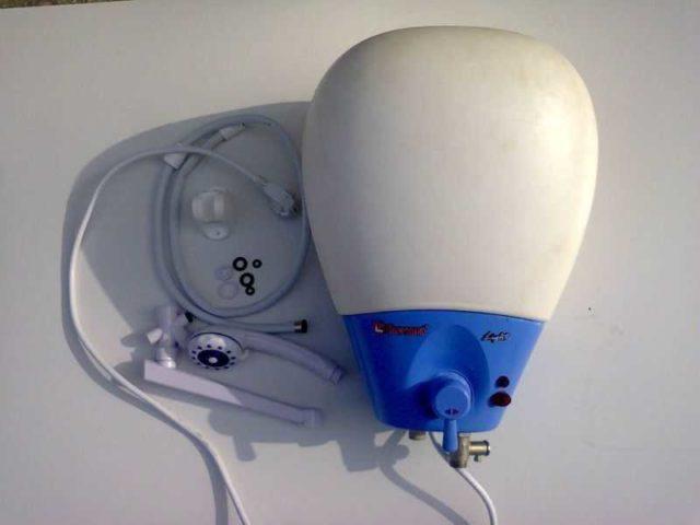 Так выглядит проточно-накопительный электроводонагреватель Thermex Light MS 15