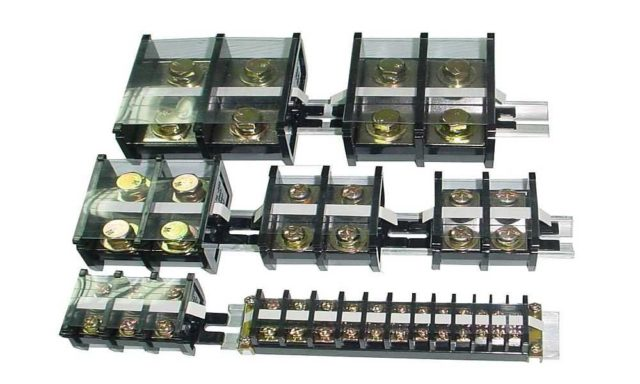 Клеммные колодки могут быть рассчитаны на разное количество проводов. Минимально - два. Максимальное - 48, но можно найти и с большим числом выходов