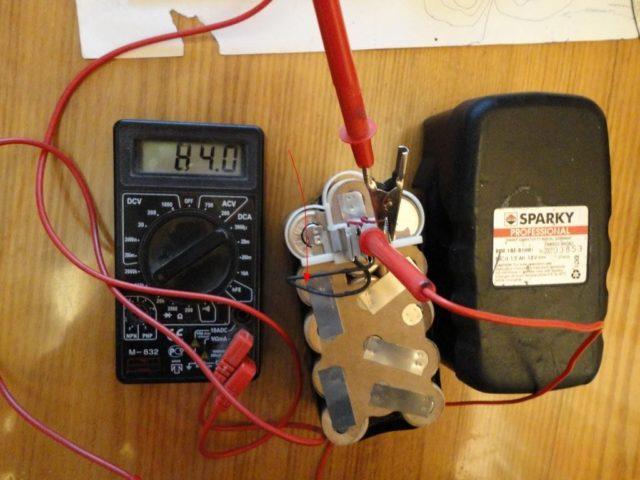 Восстановление батареи шуруповерта без мультиметра невозможно